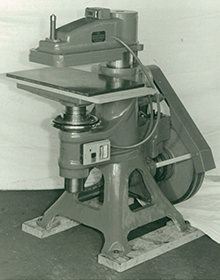 Photo of high-speed cutting machine and clicker from around 1965